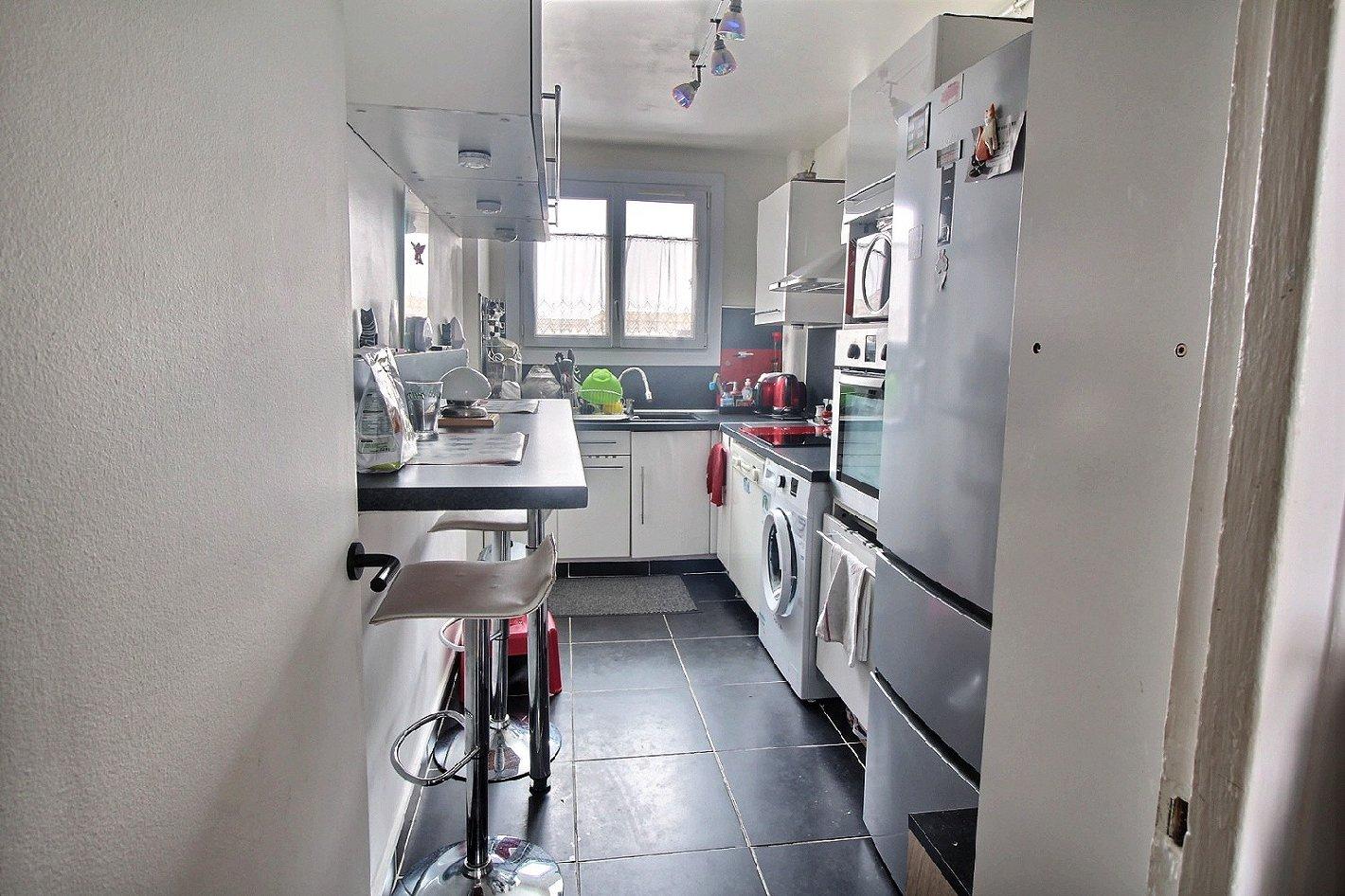 appartement 4 pi ces bois d arcy vend appartement. Black Bedroom Furniture Sets. Home Design Ideas